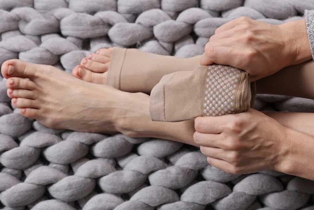 Mang vớ y khoa là một trong những phương pháp chữa giãn tĩnh mạch hiệu quả